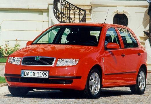 SKODA Fabia II hatchback czerwony jasny przedni lewy