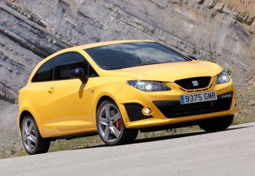 SEAT Ibiza V hatchback żółty przedni prawy