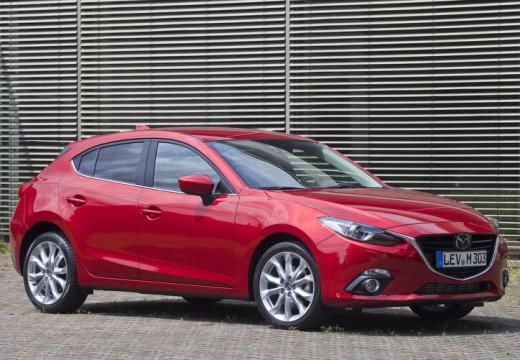 MAZDA 3 V hatchback czerwony jasny przedni prawy