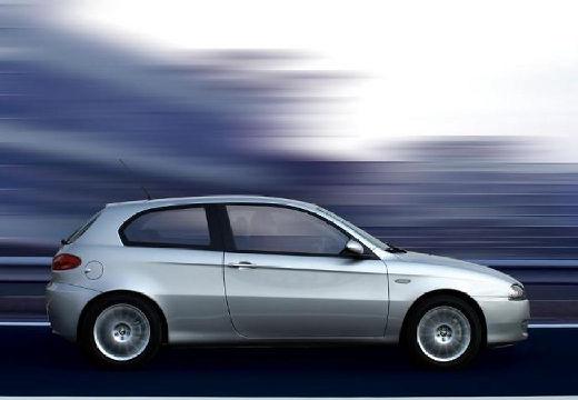 ALFA ROMEO 147 II hatchback silver grey boczny prawy