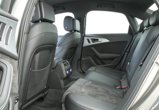 AUDI A6 C7 II sedan wnętrze