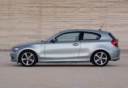 BMW Seria 1 E81 hatchback silver grey boczny lewy