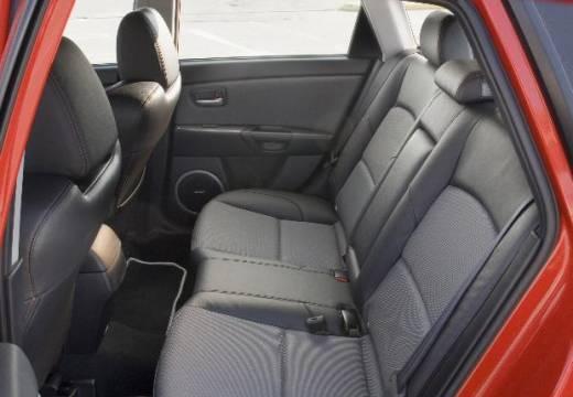 MAZDA 3 II hatchback czerwony jasny wnętrze