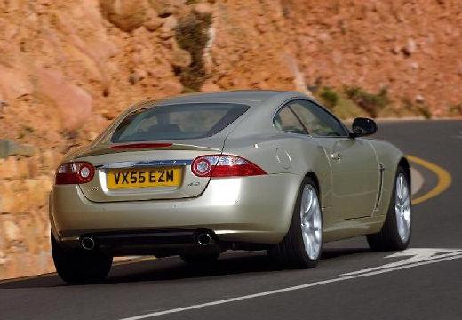 JAGUAR XK II coupe beige tylny prawy
