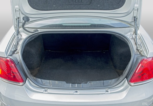 FIAT Linea I sedan przestrzeń załadunkowa