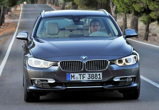 BMW Seria 3 Touring F31 I kombi silver grey przedni