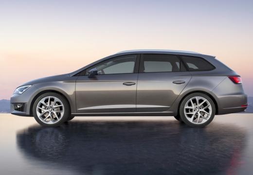 SEAT Leon kombi silver grey boczny lewy