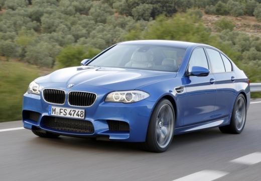 BMW Seria 5 F10 I sedan niebieski jasny