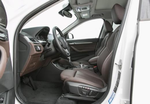 BMW X1 X 1 F48 I kombi biały wnętrze