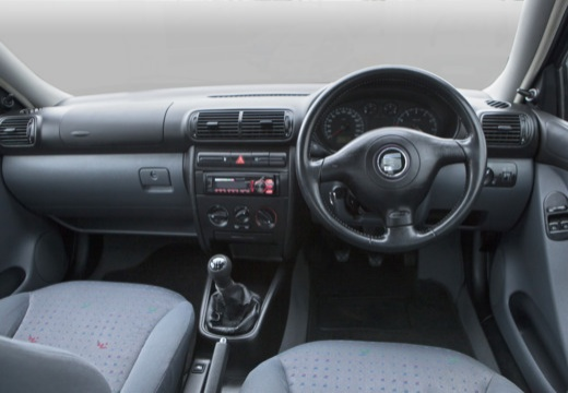 SEAT Toledo II sedan tablica rozdzielcza
