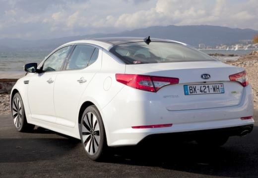 KIA Optima sedan biały tylny lewy