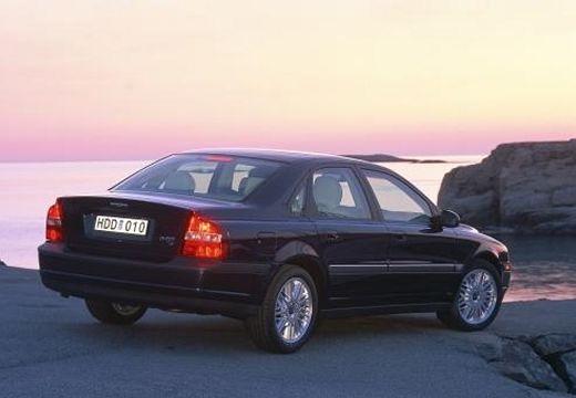 VOLVO S80 I sedan czarny tylny prawy