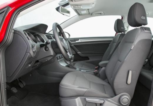 VOLKSWAGEN Golf VII I hatchback wnętrze