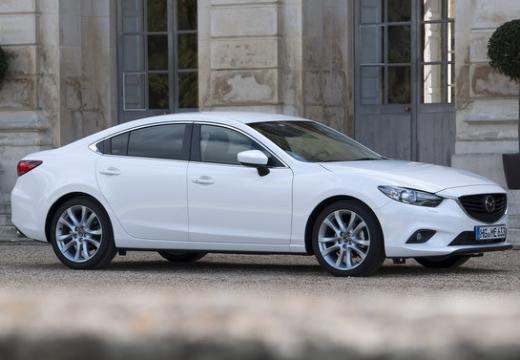 MAZDA 6 V sedan biały przedni prawy