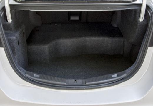 FORD Mondeo VIII sedan przestrzeń załadunkowa
