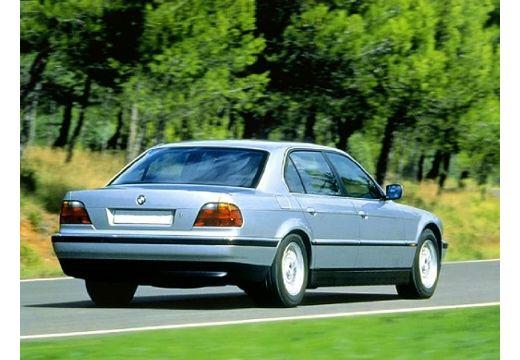 BMW Seria 7 E38 sedan silver grey tylny prawy