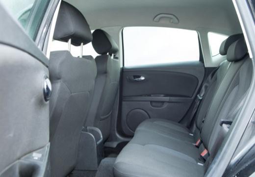 SEAT Leon II hatchback wnętrze