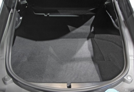 JAGUAR F-Type I coupe przestrzeń załadunkowa