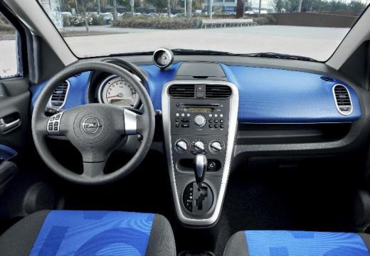 OPEL Agila hatchback niebieski jasny tablica rozdzielcza