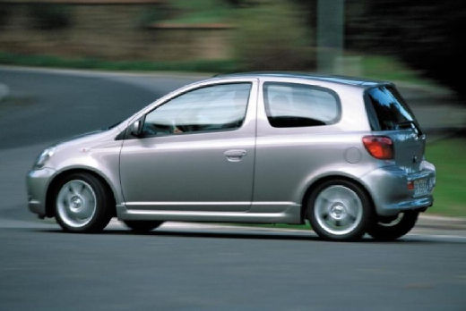 Toyota Yaris I hatchback silver grey tylny lewy