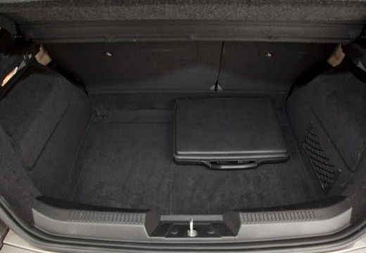LANCIA Delta III hatchback szary ciemny przestrzeń załadunkowa