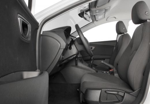 SEAT Leon ST I kombi biały wnętrze