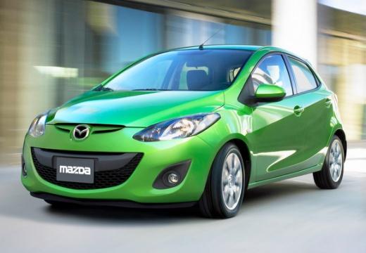 MAZDA 2 hatchback zielony przedni lewy