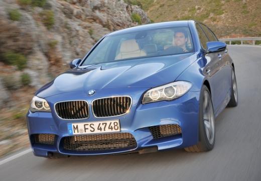 BMW Seria 5 F10 I sedan niebieski jasny przedni lewy