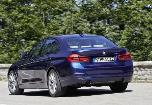 BMW Seria 3 F30/F80 sedan niebieski jasny tylny lewy