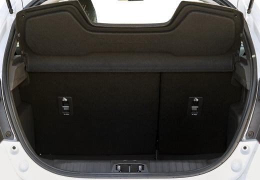 FORD Ka+ hatchback biały przestrzeń załadunkowa