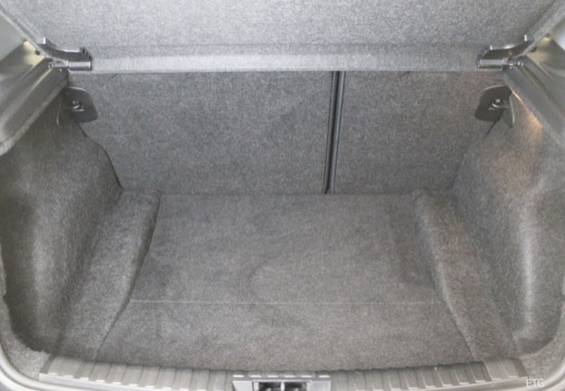 BMW Seria 1 E87 I hatchback przestrzeń załadunkowa