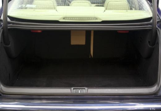 PEUGEOT 607 II sedan przestrzeń załadunkowa