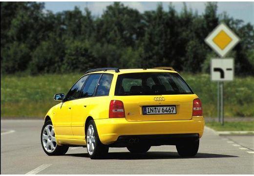 AUDI A4 Avant B5 kombi żółty tylny lewy