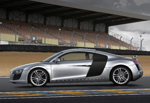 AUDI R8 coupe silver grey boczny lewy