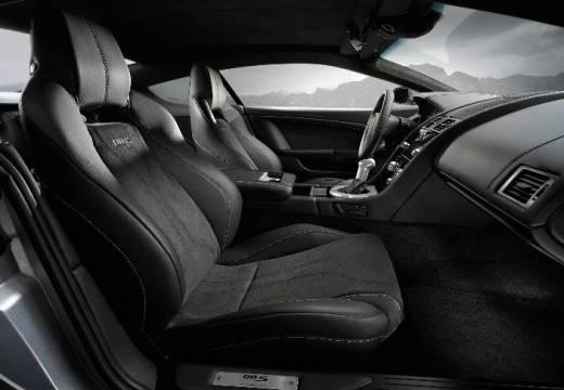 ASTON MARTIN DBS coupe silver grey wnętrze