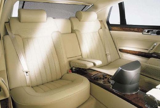 VOLKSWAGEN Phaeton sedan wnętrze