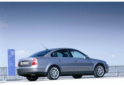 VOLKSWAGEN Passat IV sedan silver grey tylny prawy