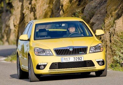 SKODA Octavia II II hatchback żółty przedni prawy