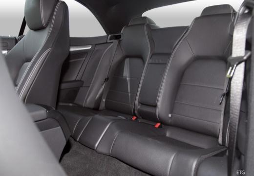 MERCEDES-BENZ Klasa E Cabrio A 207 II kabriolet wnętrze