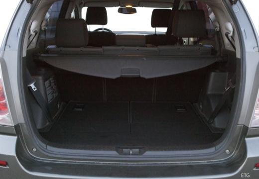 Toyota Corolla Verso II kombi mpv przestrzeń załadunkowa