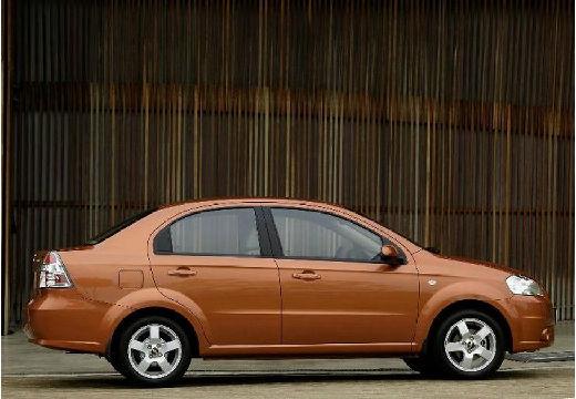 CHEVROLET Aveo II sedan pomarańczowy boczny prawy