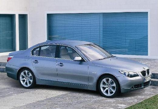 BMW Seria 5 E60 I sedan silver grey przedni prawy