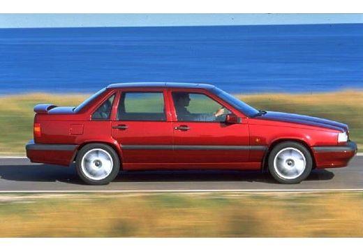VOLVO 850 sedan czerwony jasny boczny prawy