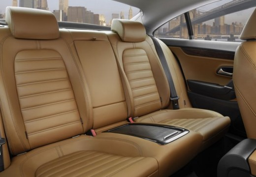 VOLKSWAGEN Passat CC sedan wnętrze