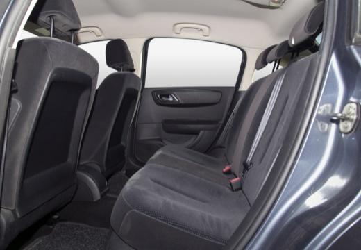 CITROEN C4 I hatchback wnętrze
