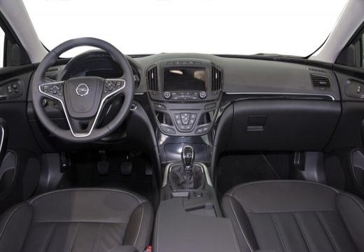 OPEL Insignia II hatchback tablica rozdzielcza