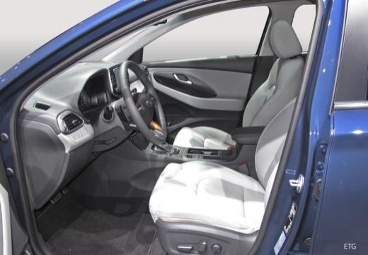 HYUNDAI i30 Wagon III kombi wnętrze