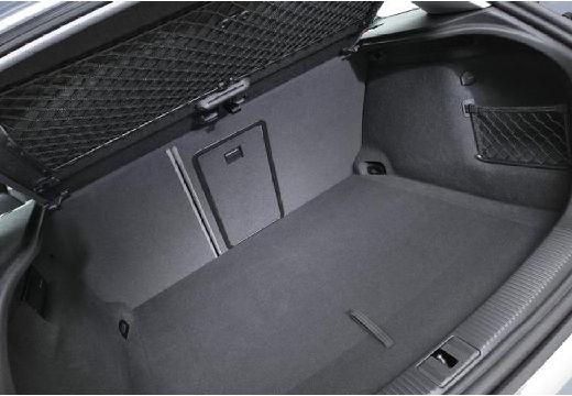 AUDI A3 Sportback I hatchback silver grey przestrzeń załadunkowa