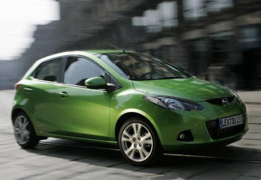 MAZDA 2 II hatchback zielony przedni prawy