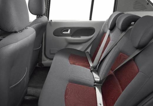 RENAULT Thalia sedan silver grey wnętrze